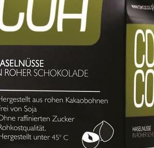 Cocoa Haselnüsse in roher Schokolade zuckerfrei